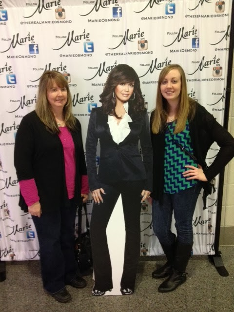 Christmas with donny marie momma and i posed with cardboard marie m4hsunfo